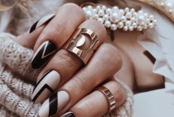 50-most-beautiful-winter-nail-designs-shrinking-to-your-fingertips-2019