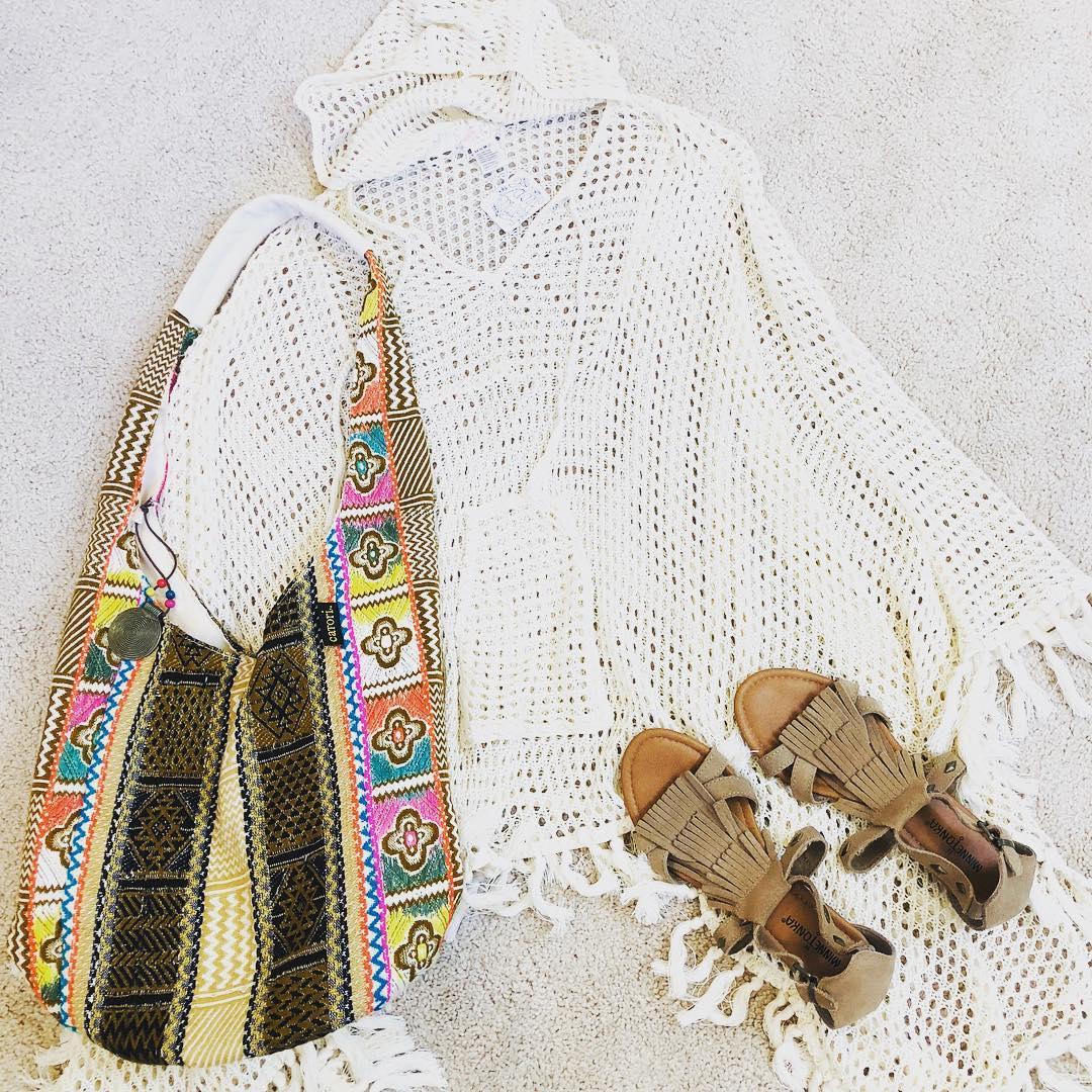 20-gorgeous-crochet-poncho-patterns-2019